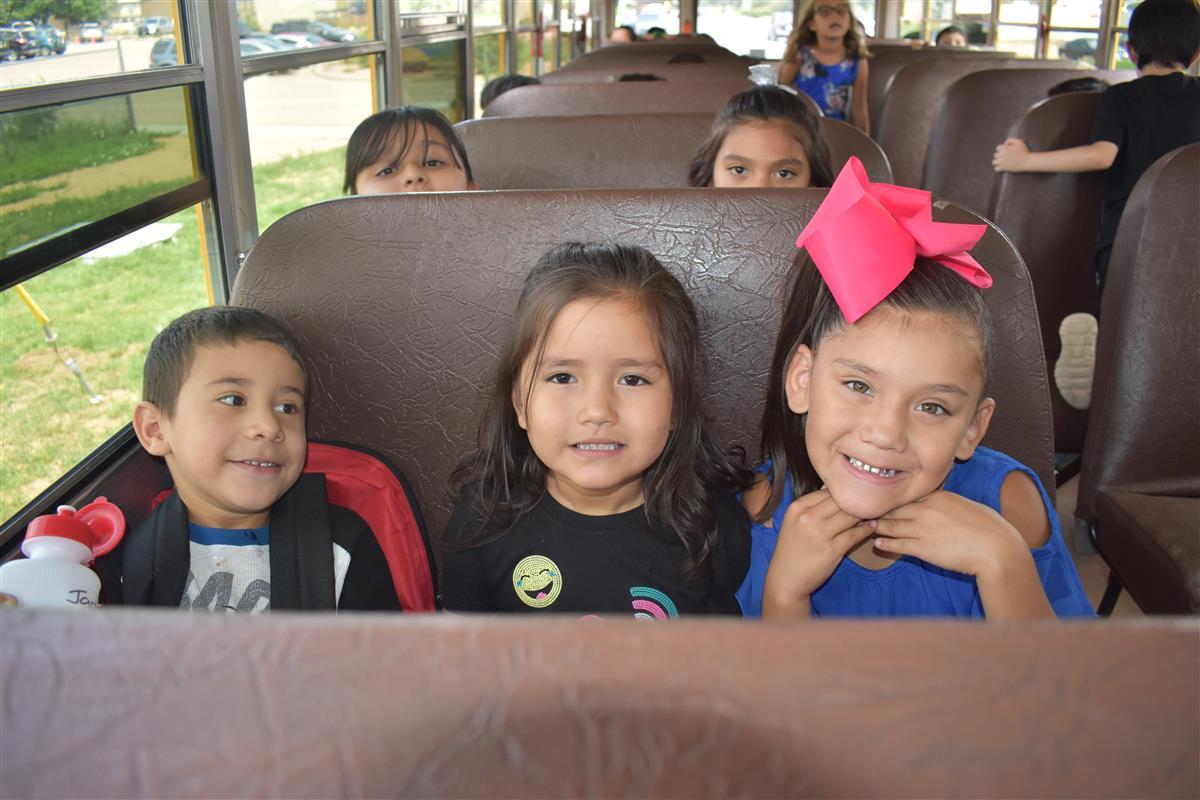Midland International Elementary School / Homepage